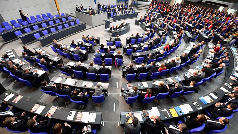 Gleichberechtigung: Parlamentarierinnen fordern höheren Frauenanteil im Bundestag