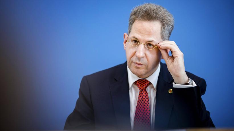 Verfassungsschutz: Der Präsident des Bundesamtes für Verfassungsschutz, Hans-Georg Maaßen, hat einen engen Blick, wenn es um Rechtsextreme geht.