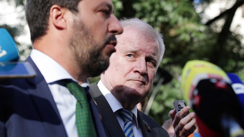 Flüchtlingspolitik: Italiens Innenminister Matteo Salvini und Bundesinnenminister Horst Seehofer