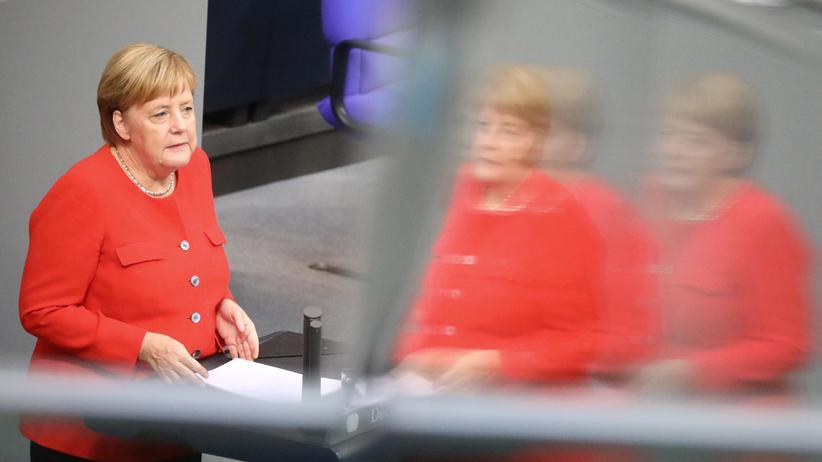 Angela Merkel: Bundeslanzlerin Angela Merkel während der Generaldebatte im Bundestag
