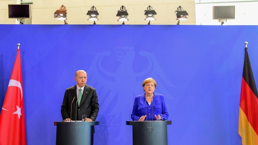 """Recep Tayyip Erdoğan: Angela Merkel benennt """"tiefgreifende Differenzen"""" mit der Türkei"""