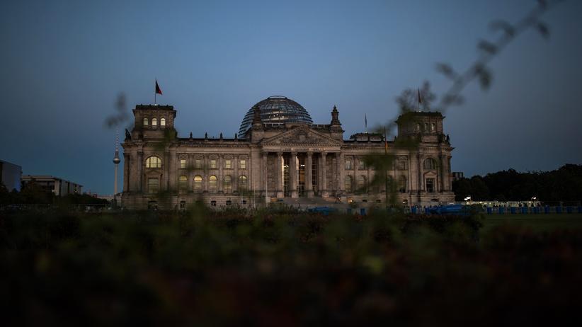 Deutschlandtrend: Wären am Sonntag Wahlen, dann hätte die große Koalition keine Mehrheit mehr im Bundestag.