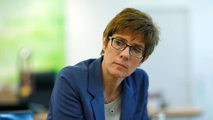 Große Koalition: Kramp-Karrenbauer warnt vor möglichen Neuwahlen