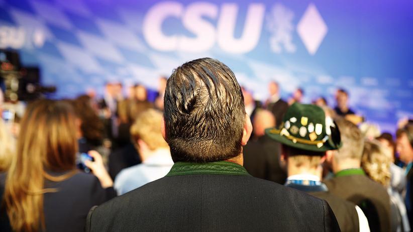 Landtagswahl: Anhänger der CSU bei der Wahlparty am Sonntagabend in München