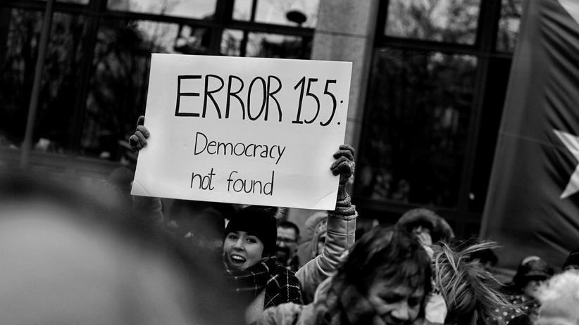 Rechtsextremismus: Mehr Politikunterricht wird nicht reichen