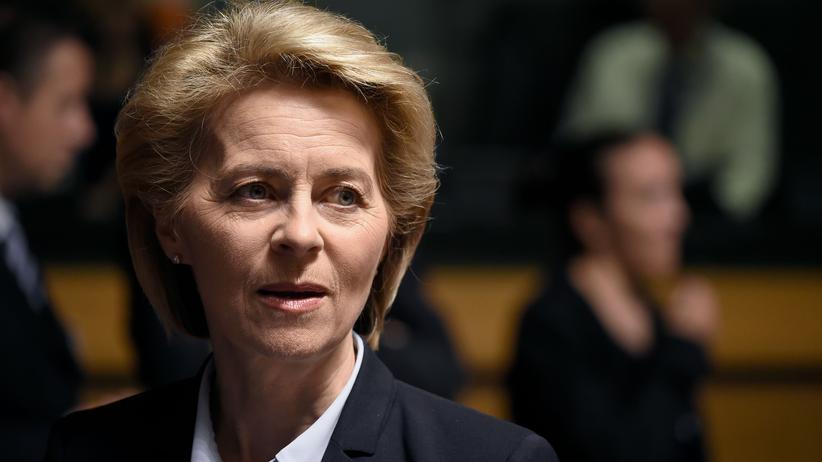 Bundeswehr: Von der Leyen räumt Fehler in Vergabeaffäre ein