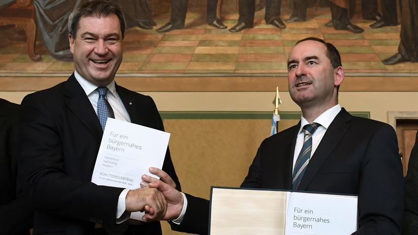 Bayern: CSU und Freie Wähler unterzeichnen Koalitionsvertrag