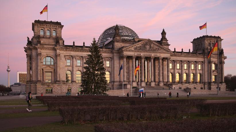 Bundeshaushalt: Bundestag beschließt Etat für kommendes Jahr