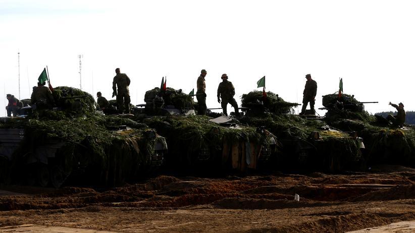 Bundeswehr: Finanzministerium fordert längere Dienstzeit von Soldaten