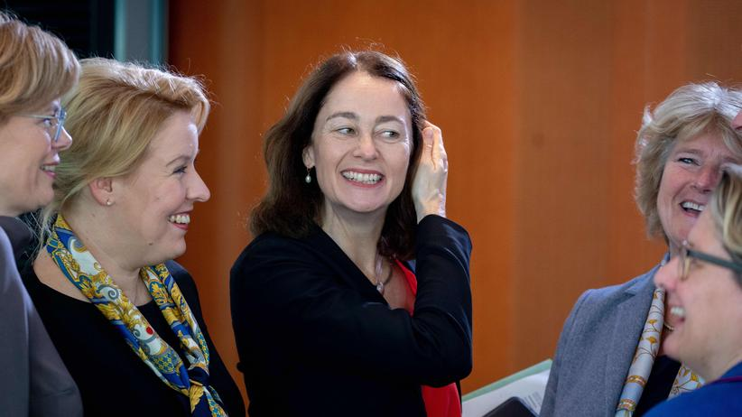 Wahlrecht: Justizministerin Katarina Barley (Mitte) mit den Ministerinnen Julia Klöckner (CDU), Franziska Giffey (SPD), Monika Grütters (CDU) und Svenja Schulze (SPD)