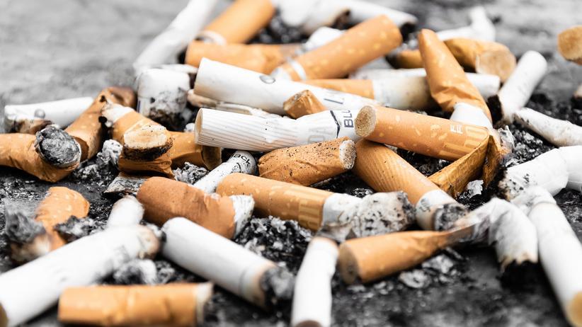Umweltministerin: Tabakindustrie soll für Entfernung von Zigarettenresten zahlen
