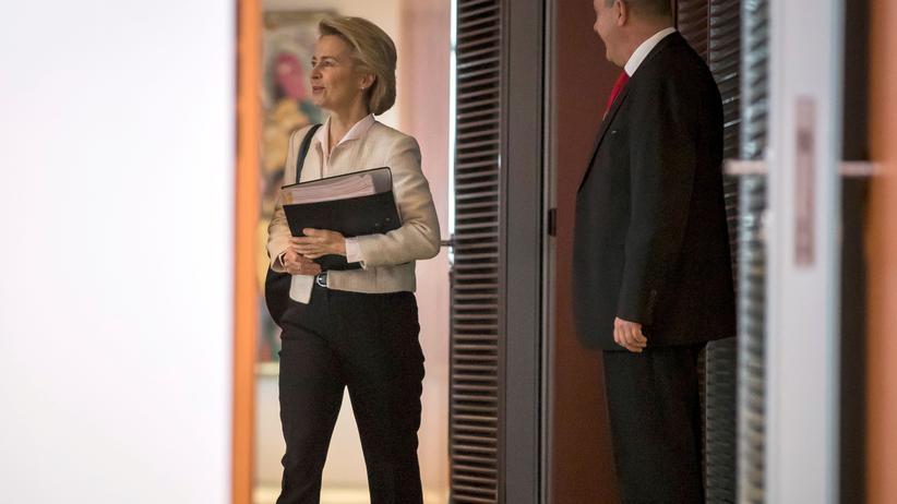 Ursula von der Leyen: Von der Leyen zieht Forderung nach höherem Berater-Budget zurück