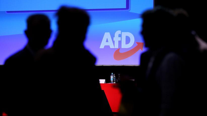 Gewerkschaft der Polizei: Polizisten sollen sich als AfD-Kandidaten von Björn Höcke distanzieren