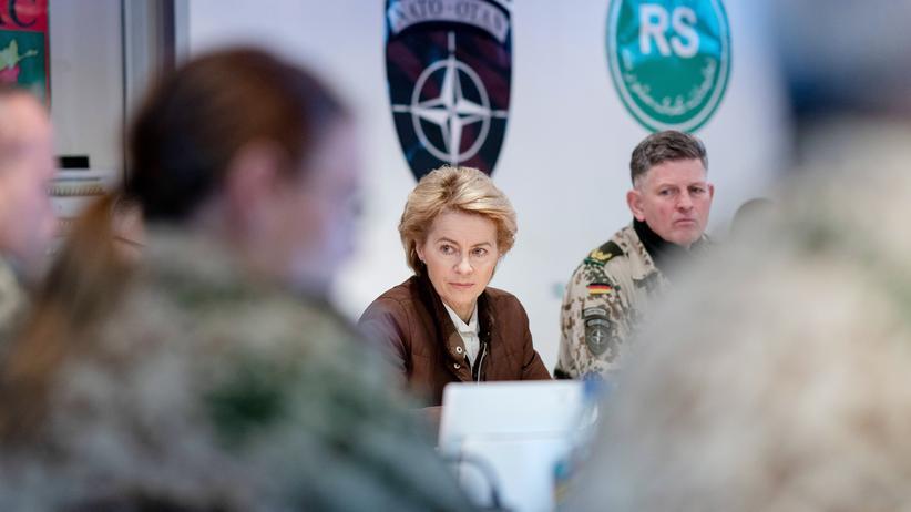 Verteidigungsministerium: Verteidigungsministerin Ursula von der Leyen bei einem Truppenbesuch in Afghanistan im Dezember 2018