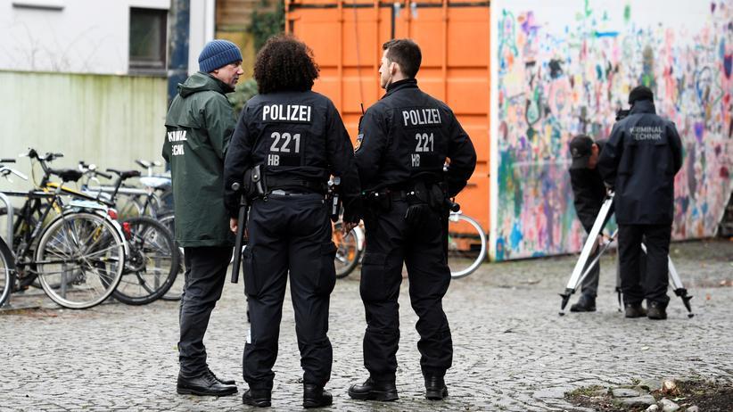 Frank Magnitz: Ermittlungen am Tatort in Bremen