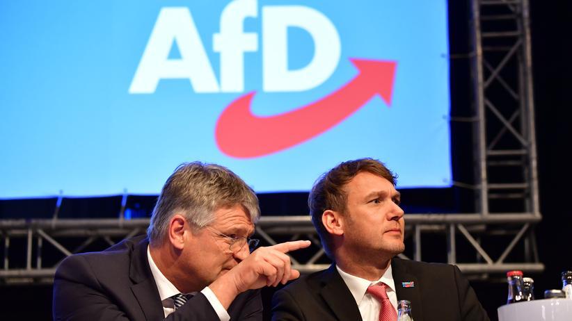 Sachsen-Anhalt: André Poggenburg (rechts) ist Vorsitzender der AfD im Burgenlandkreis und Abgeordneter im Landtag von Sachsen-Anhalt.