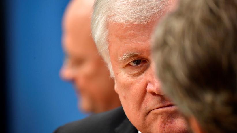 Flüchtlingspolitik: Horst Seehofer will Abschiebungen erleichtern