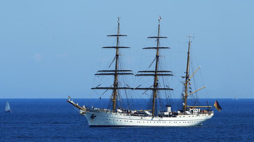 """Marine-Schulschiff: Das Segelschulschiff """"Gorch Fock"""" im Jahr 2011 in der Kieler Bucht"""