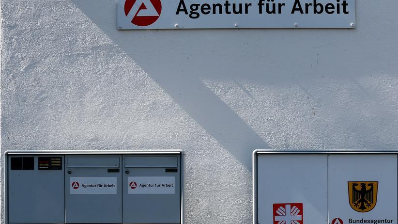 Bürgergeld statt Hartz IV: Für viele Bedürftige führt der Weg ins Jobcenter – wie hier im bayerischen Eichstätt.