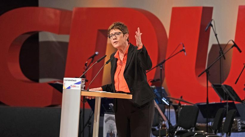 Annegret Kramp-Karrenbauer: Kulturkämpfchen auch mal aushalten