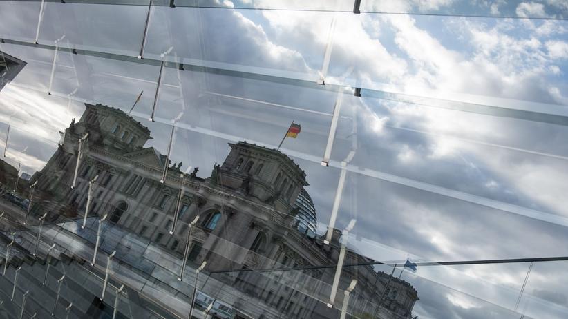 Anschlag am Breitscheidplatz: Reichstagsgebäude in Berlin