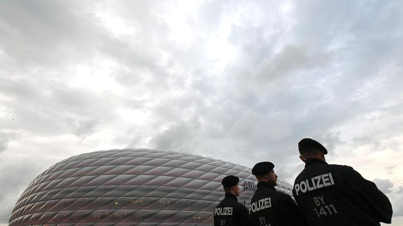 München: Ermittlungen gegen mehr als ein Dutzend Polizisten