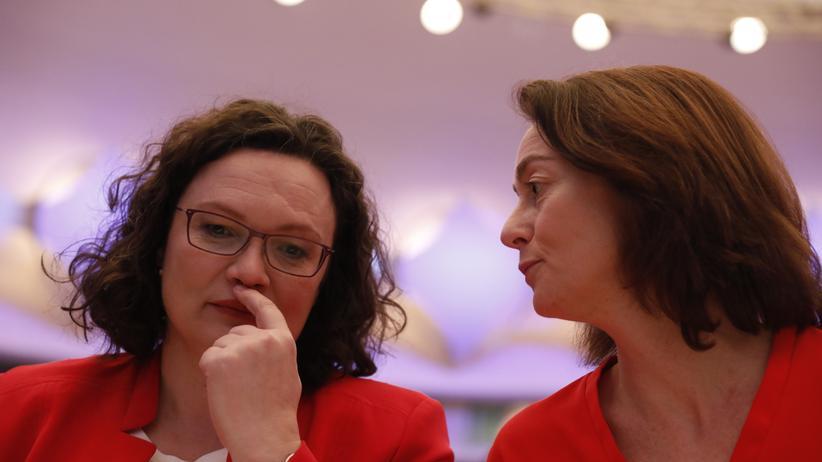 SPD-Parteikonvent: Parteichefin Andrea Nahles (links) und Spitzenkandidatin Katarina Barley beim SPD-Parteikonvent