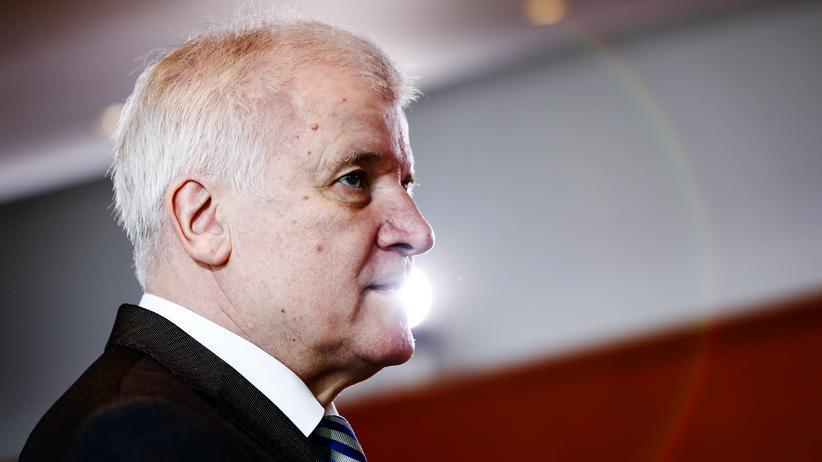 Asylpolitik: SPD-Innenminister kritisieren Horst Seehofers Abschiebepläne