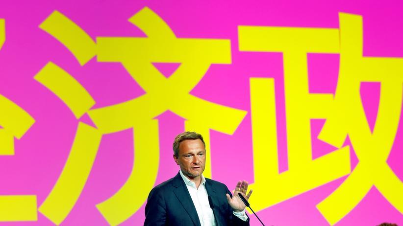 Christian Lindner redet beim FDP-Parteitag in Berlin.