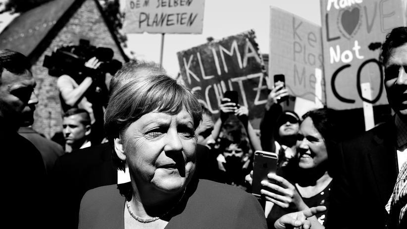 YouTube: Angela Merkel kritisiert Umgang der CDU mit Rezo-Video