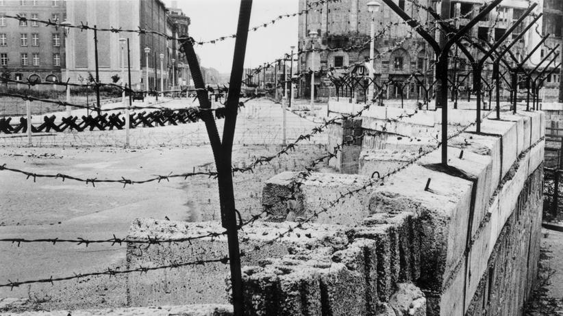 Bundesverwaltungsgericht: Blick auf die DDR-Grenzanlage am Potsdamer Platz im August 1962
