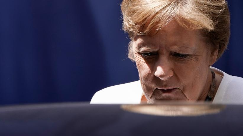 EU-Gipfel: Bundeskanzlerin Angela Merkel ist zurück nach Berlin gereist. Am Dienstag fliegt sie wieder nach Brüssel zur Fortsetzung des EU-Gipfels.