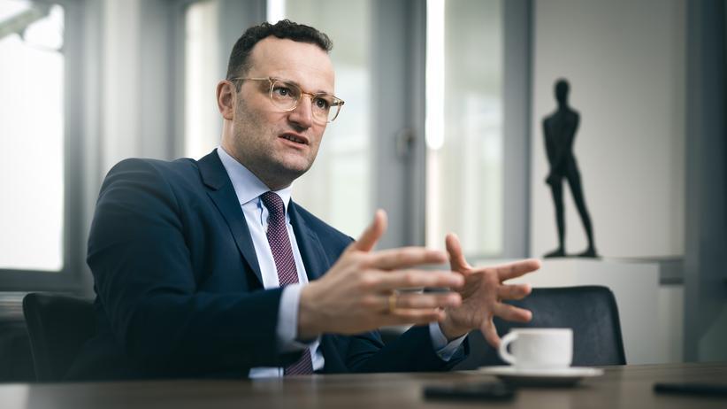 Jens Spahn: Bundesgesundheitsminister Jens Spahn (CDU) will am Mittwoch einen Gesetzentwurf zum Schutz von deutschen Apotheken vorstellen.