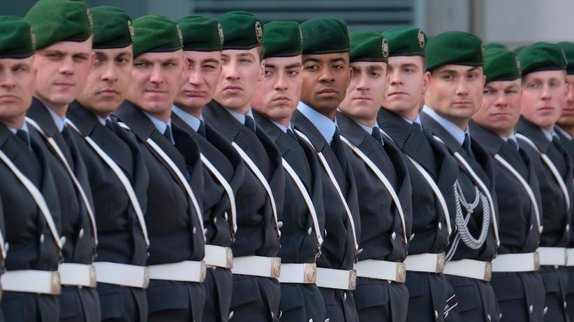 Bundeswehr: Verteidigungsministerium prüft Vorwürfe der AfD