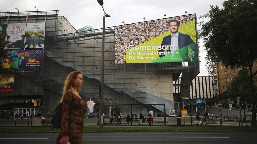 Landtagswahlen: Hofft auf Zustimmung: Ein Werbeplakat für Sachsens Ministerpräsidenten Michael Kretschmer (CDU) in Dresden