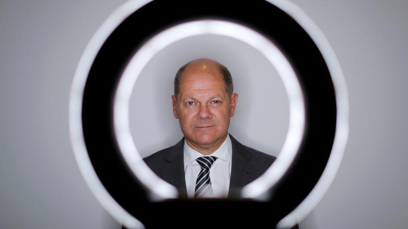 SPD: Bundesfinanzminister Olaf Scholz posiert für ein Foto während eines Interviews. (Archivfoto, Juni 2019)