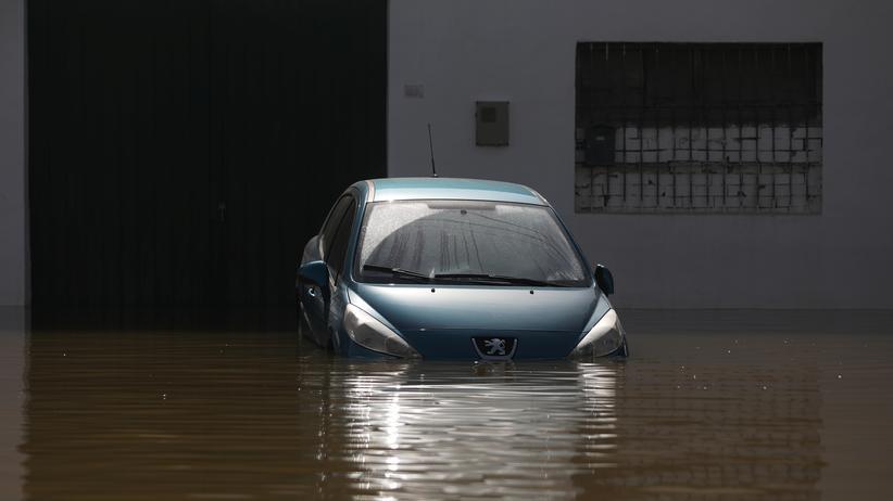 Überschwemmungen nach extrem starken Regenfällen in Alicante, Spanien