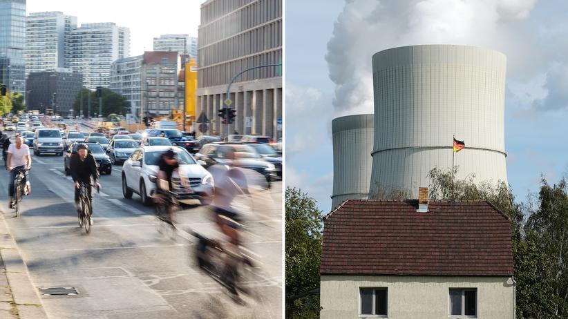 Klimaschutz: Links: Strassenverkehr auf der Gertraudenstrasse in Berlin-Mitte. Rechts: Wohnhaus vor den Kühltürmen des Kohlekraftwerks Schwarze Pumpe.