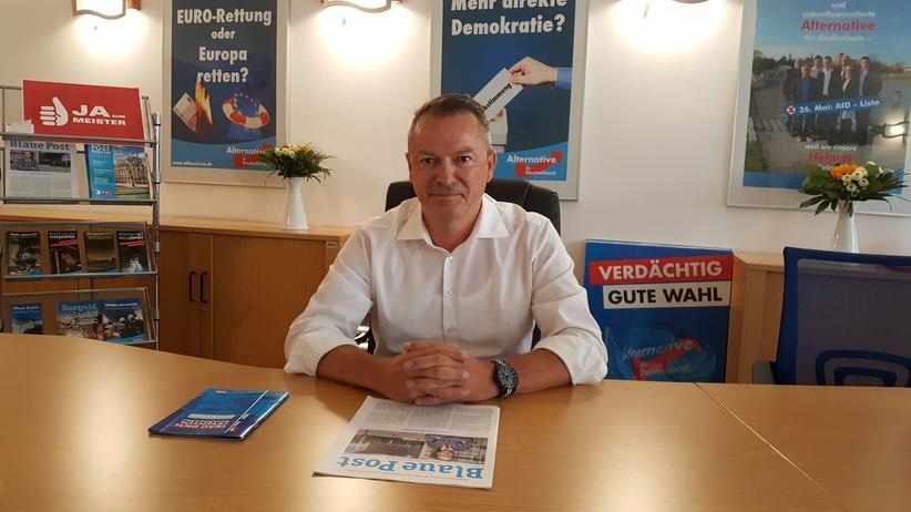 AfD-Wahlsieger Mario Beger in seinem Büro