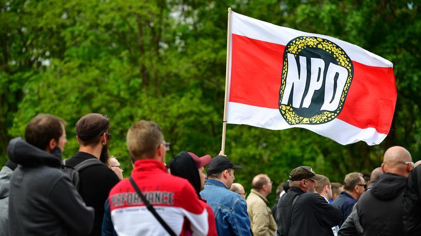 NPD-Poster: Gericht bewertet NPD-Plakat nicht als Volksverhetzung