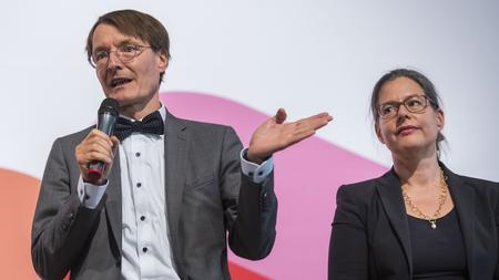 Spd Fraktion Karl Lauterbach Gibt Fraktionsposten Auf Zeit Online