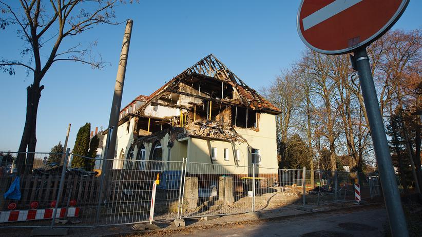 Thüringer Landtag: Das ausgebrannte Haus, in dem sich die Zwickauer Wohnung der rechtsextremen Terrorzelle um Uwe Mundlos, Uwe Böhnhardt und Beate Zschäpe befand.