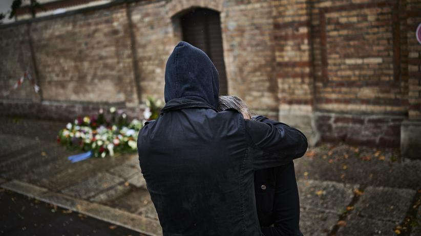 Antisemitismus: Trauer am Tag nach dem Anschlag in Halle