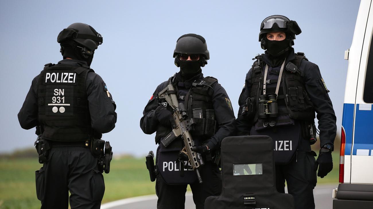 Polizei Sachsen-Anhalt: Einsatzkräfte verloren Täter von Halle zeitweise aus den Augen