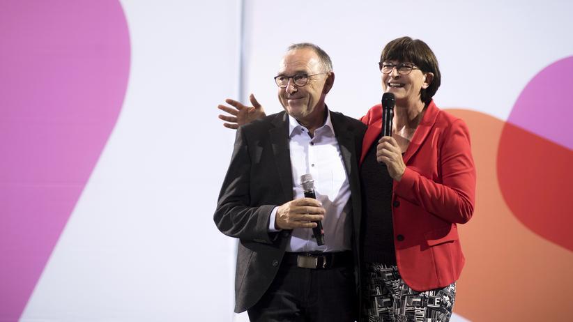 SPD-Vorsitz: Norbert Walter-Borjans und Saskia Esken bei einer Veranstaltung in Potsdam