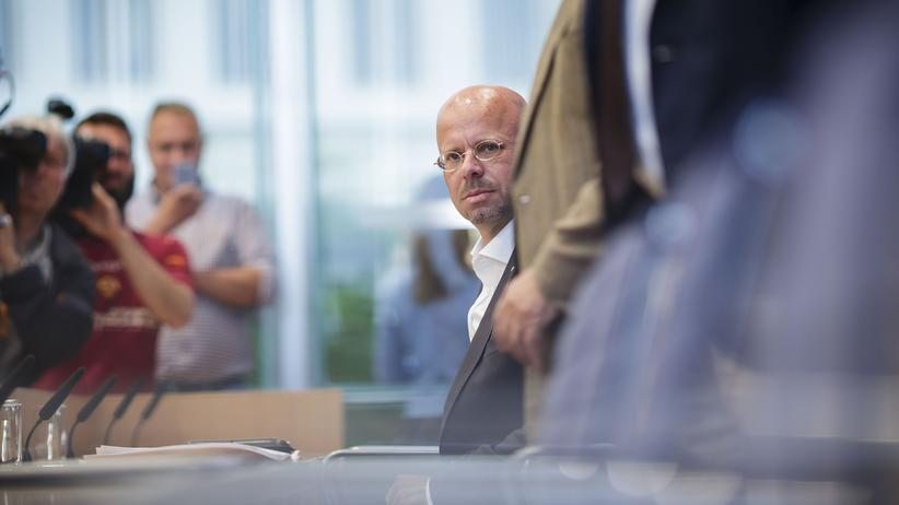 Andreas Kalbitz: AfD-Landes- und Fraktionschef von Brandenburg und Beisitzer im Bundesvorstand der Partei
