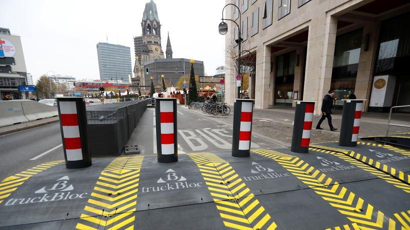 Anis Amri: Sicherheitsbarrieren sollen am Berliner Breitscheidplatz vor weiteren Anschlägen schützen.