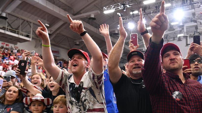 Joan Williams: Trump-Anhänger feiern ihren Präsidenten in Monroe, Louisiana.