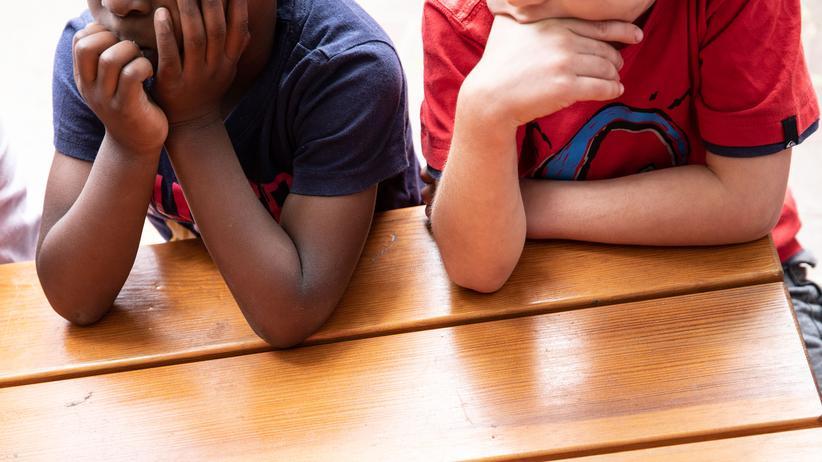Grundsicherung: Kinder in einer Kita in Berlin-Neukölln