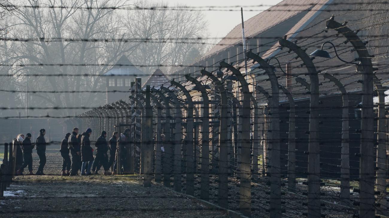 NS-Gedenken: Auschwitz-Überlebender nennt Merkels Besuch eine wichtige Geste